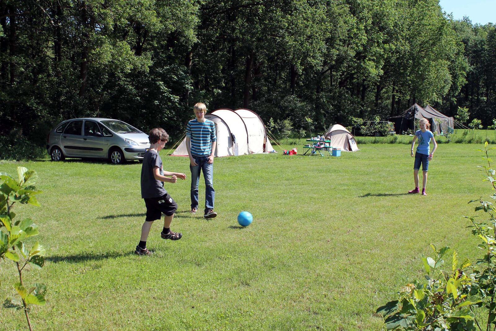 kinderen camping Drenthe
